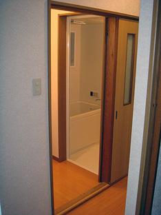新しくなった洗面所とバスルーム